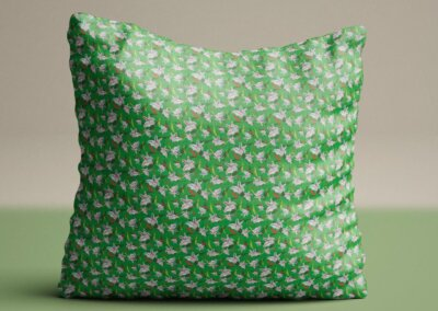 kussen met patroon lelie groen